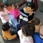 Ayudamos a nuestra compi a desarrollar su psicomotriciad infantil